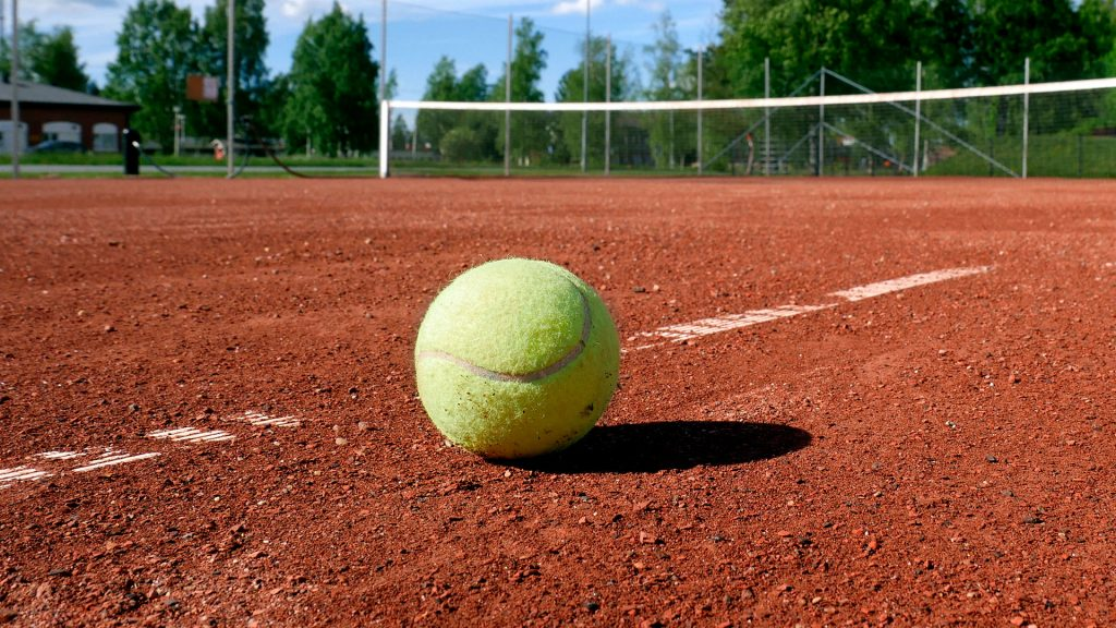 tennis court cleaning in the UK